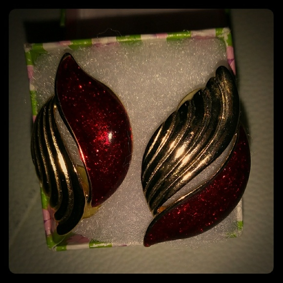 Jewelry - Awesome vintage earrings